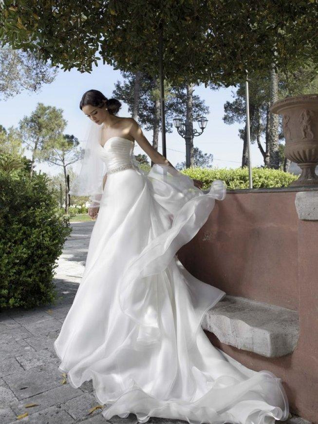1807e55d6068 Collezione Creazioni Elena - Abiti da sposa - Loris Mode Sposi