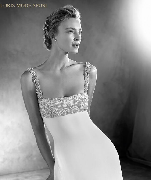 Lo stile impero negli abiti da sposa Atelier Pronovias 2017 - Loris ... e2e68986773