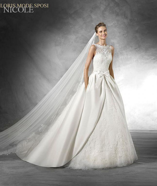 104bfc56ef65 ... sono un tipico esempio di elegante versatilità  non appesantiscono mai  l insieme nuziale ma si coordinano arricchendo con garbo qualunque abito da  sposa ...